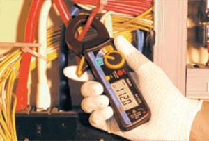 روش استفاده و طرز کار آمپرمتر کلمپی how to use digital clamp meter
